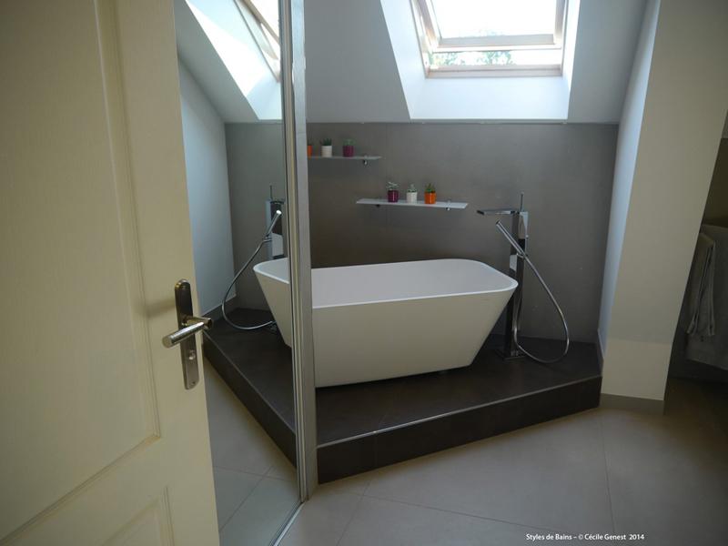Salle de bain rennes nos realisations en r novation et for Baignoire dans chambre a coucher